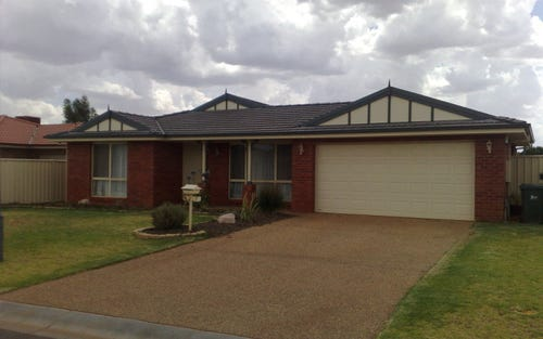 7 Rosewood Drive, Griffith NSW