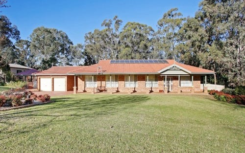 4 Rofe Place, Grasmere NSW 2570