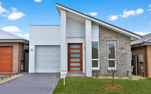 17 Ivory Curl Circuit, Gregory Hills NSW 2557