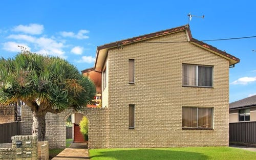 1/4 Gipps Crescent, Barrack Heights NSW