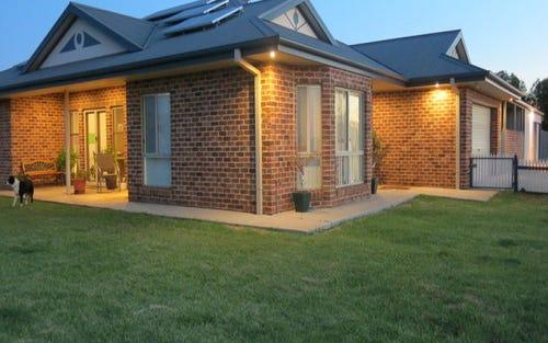 4 Kurrawong Street, Temora NSW 2666