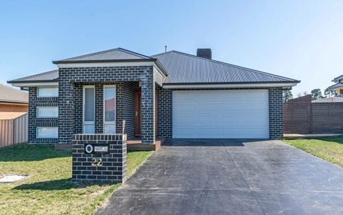 22 Molloy Drive, Orange NSW