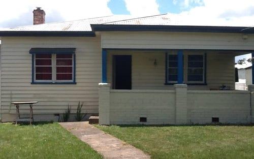 17 Ebor Road, Guyra NSW 2365