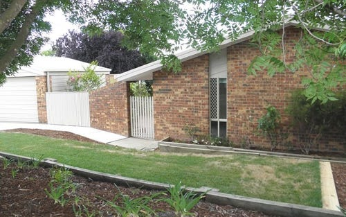 8 Andrea Place, Bonython ACT