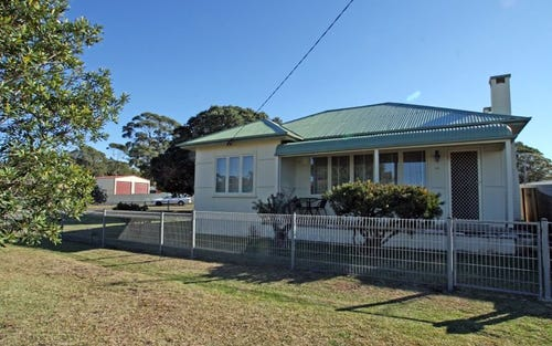 43 Iverison Road, Sussex Inlet NSW 2540