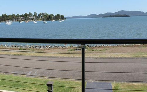 32 Peace Parade, Tanilba Bay NSW 2319