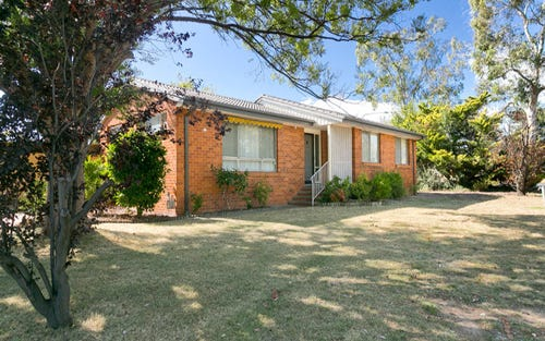 2 Stretton Crescent, Latham ACT