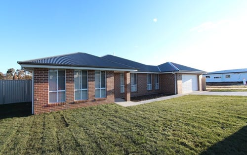 3 Cheviot Drive, Kelso NSW 2795