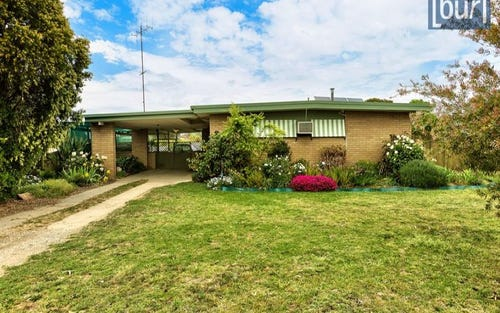 70 James Cook Avenue, Howlong NSW 2643