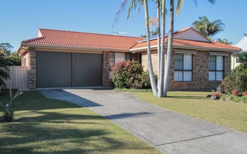 15 Oxley Place, South West Rocks NSW 2431