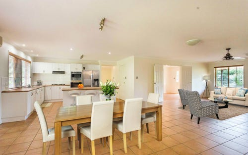 40 Whispering Valley Drive, Richmond Hill NSW 2480