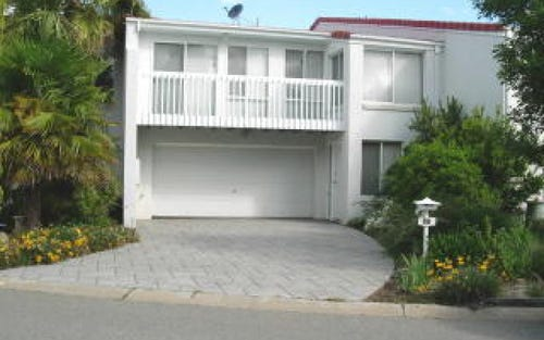 17 Mortimer Lewis Drive, Greenway ACT