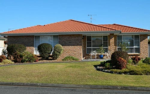 1/4 Victoria Place, Forster NSW 2428