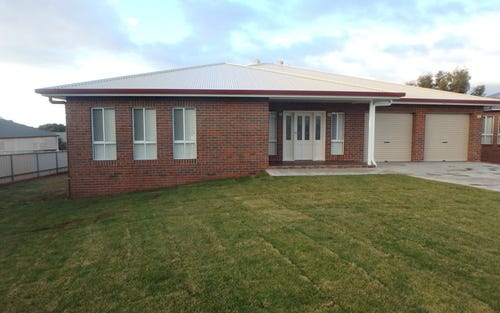 13 Williams Street, Temora NSW 2666