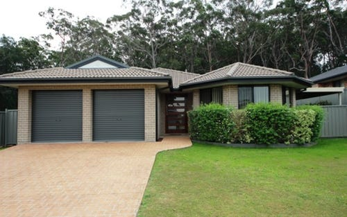 26 Steve Eagleton Dr, South West Rocks NSW 2431