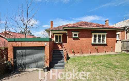 224 Peel Street, Bathurst NSW 2795
