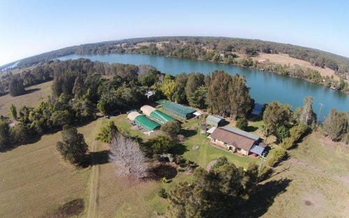 24 Cowans Lane, Oxley Island NSW 2430