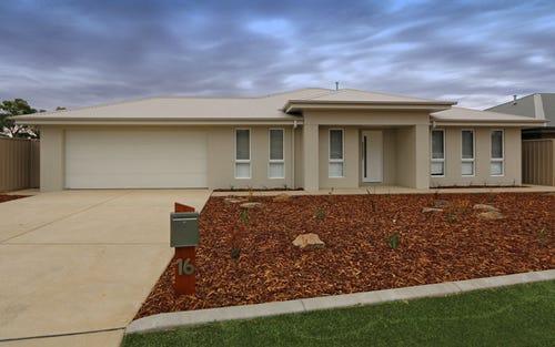 16 Barton Avenue, Lloyd NSW 2650