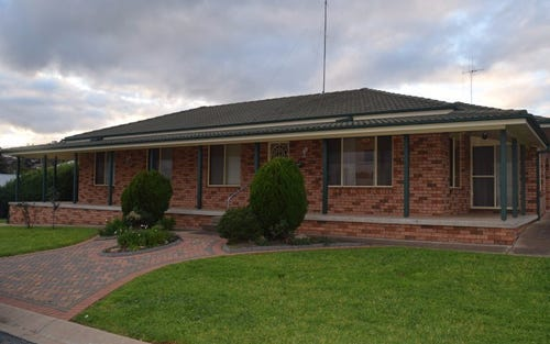 18 Dalley Street, Parkes NSW 2870