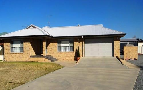 2 Moreton Bay Drive, Leeton NSW 2705