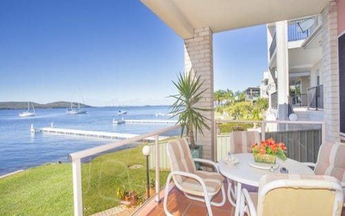 35 Excelsior Parade, Carey Bay NSW 2283