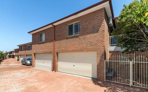18/4-38 Roberts Road, Greenacre NSW 2190