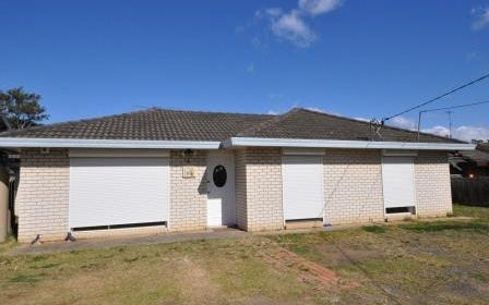 2 Station Road, Toongabbie NSW