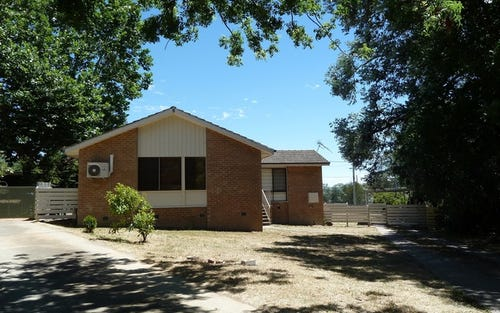 6 Esk place, Lyons ACT