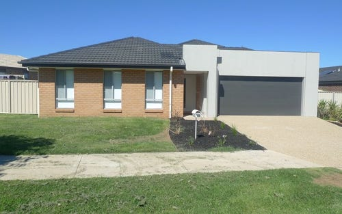 42 Greta Drive, Lavington NSW