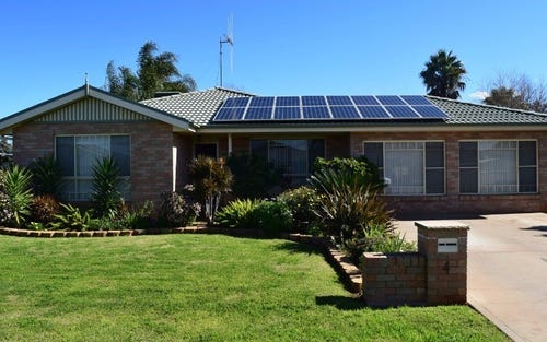 4 Avoca Place, Parkes NSW 2870