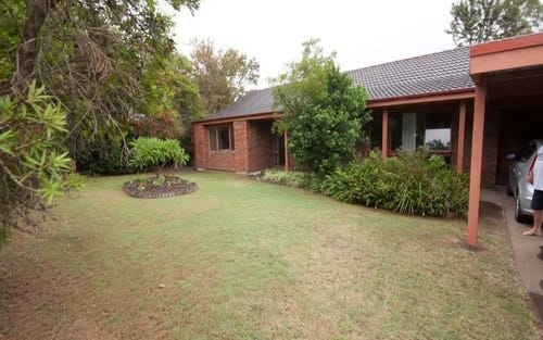 7 Sever Close, Singleton NSW 2330