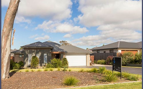 48 Aida Ball Street, Forde ACT