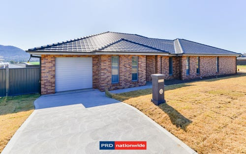 Unit 1 & 2/28 Magpie Drive, Tamworth NSW 2340