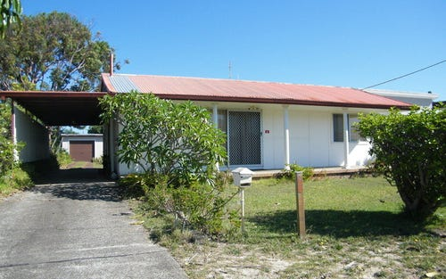 6 Hawke Street, Tuncurry NSW 2428