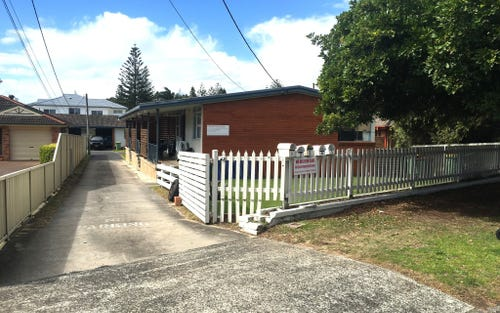 136 Bay Rd, Toowoon Bay NSW 2261