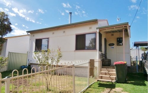 23 Monty Walk, Bathurst NSW
