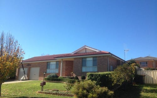 11 Bert Whiteley Place, Bletchington NSW 2800