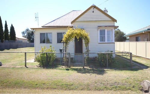 14 Railway Street, Tenterfield NSW 2372