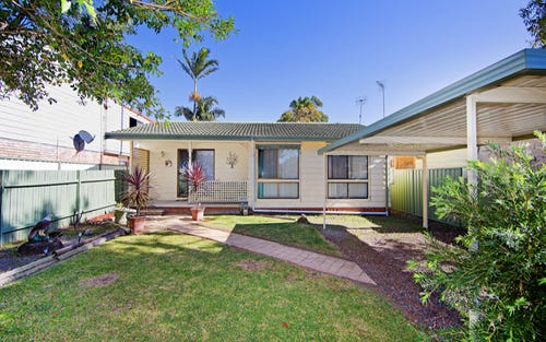 8 Clare Crescent, Berkeley Vale NSW 2261