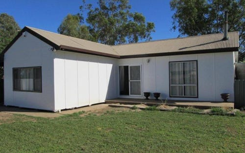 4 Dooral St, Brewarrina NSW 2839