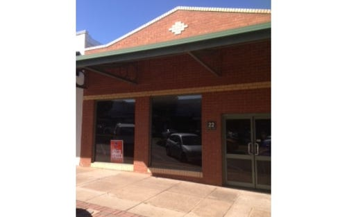 22 Pine Avenue, Leeton NSW