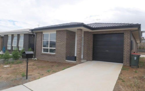 27 Dalkin Crescent, Casey ACT