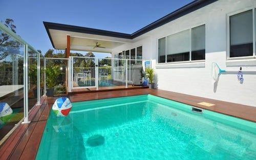 10 Bare Bluff Close, Sapphire Beach NSW 2450