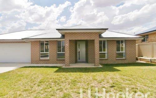 7 Mendel Drive, Bathurst NSW