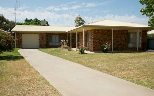 6 Burke St, Finley NSW 2713