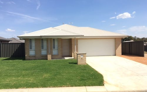 10 Paddlesteamer Court, Thurgoona NSW
