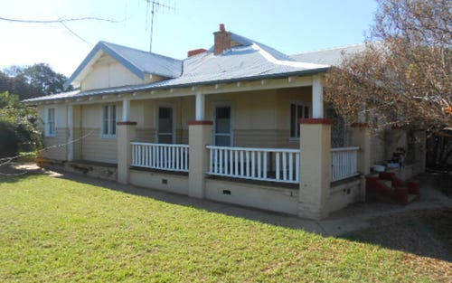 32 May Street, Parkes NSW 2870