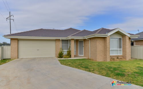 30 Tulipwood Crescent, Tamworth NSW 2340