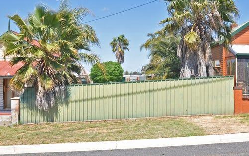 8 Thomas Street, Junee NSW 2663