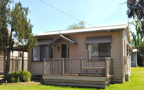 17 Brushbox Street, Albury NSW 2640
